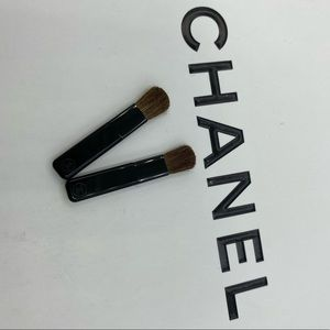 2 pcs. New Chanel Eyeshadow Brush…